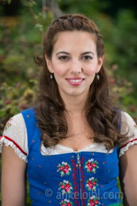 Actress Gianna Bauer - Dirndl_wm